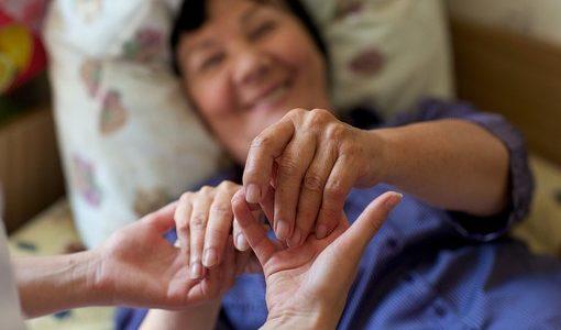 介護が行う高齢者施設での看取りとその課題